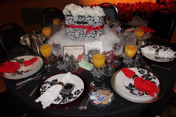 Decorated this table for a women's brunch at our church. Super easy.....thanks to Ross, Target and Michael's.