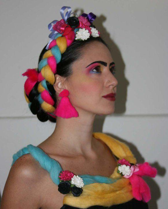 Maquillaje, peinado y accesorios. Mi versión de Frida ...