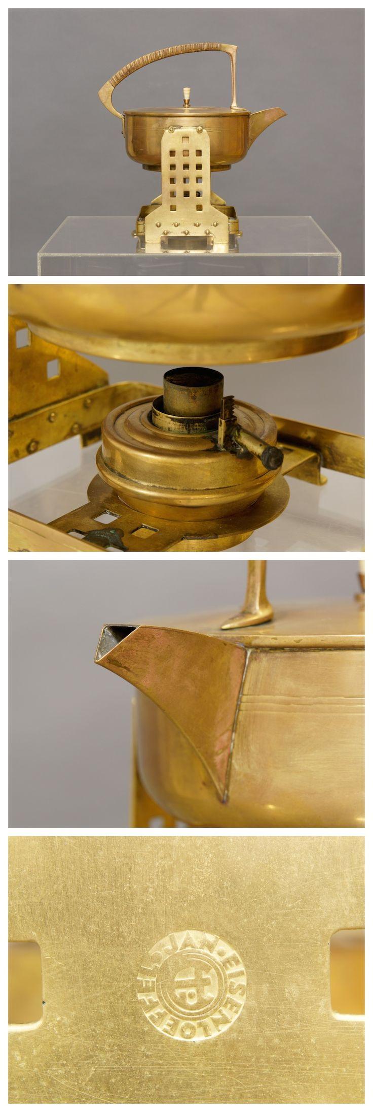 Jan Eisenloeffel brass spirit kettle, c.1905.