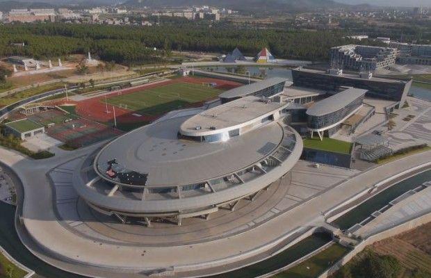Star trek – Un bâtiment chinois en forme de vaisseau spatial (USS Voyager)