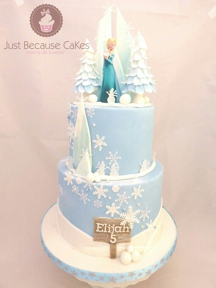 Frozen Elsa in her icy palace.   #justbecausecakes #frozencake