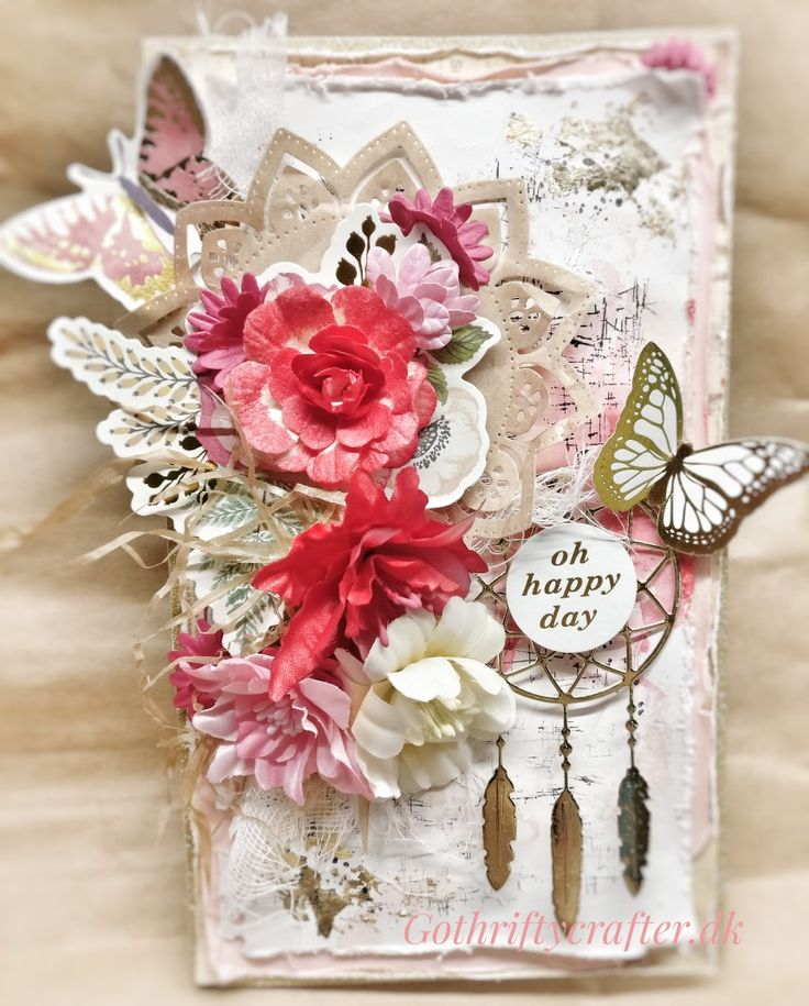 Открытка шебби Scrapbook card, diy background, mixed media, ink pad distress, flowers, butterflies, gold, dream cather