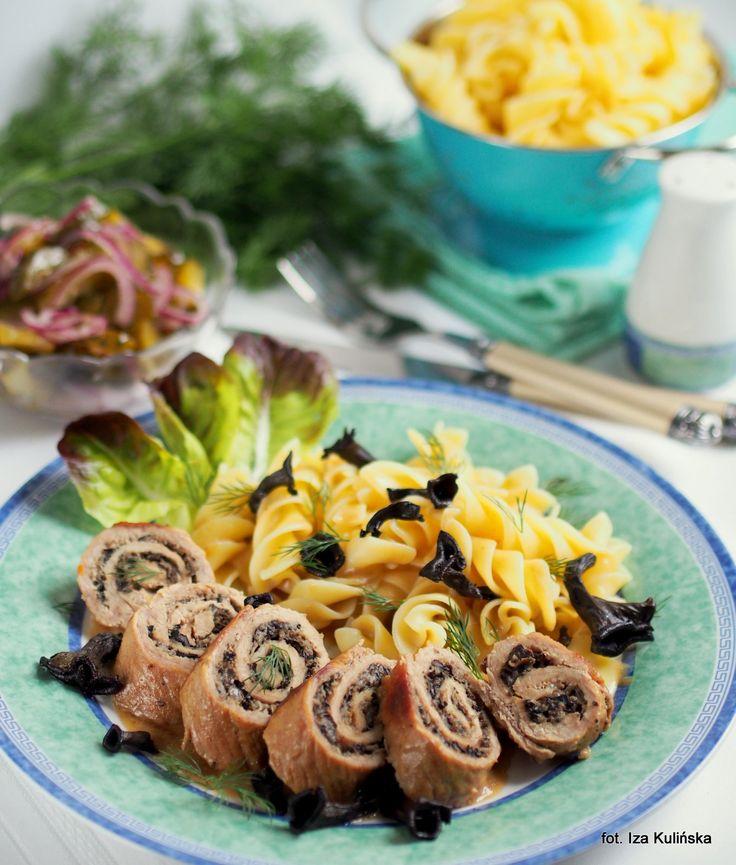 Smaczna Pyza: Roladki z szynki z kominkami i sosem winno grzybowym