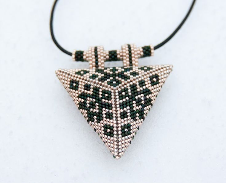Sided Triangle | biser.info - all about beads and beaded works