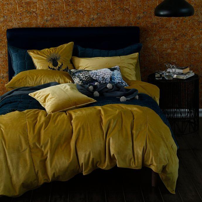 Velvet Comforter Set With Images Comforter Sets Velvet Duvet