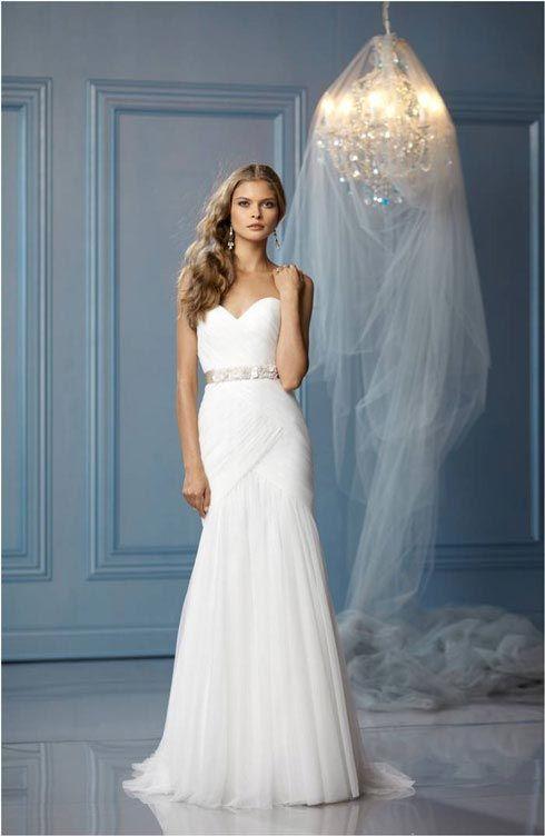Casual Beach Wedding Dresses | Destination Wedding Details