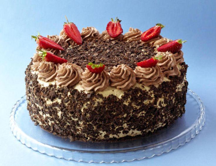 Denne kaken er et syn for øyet og en herlig smaksopplevelse med romkrem og mokkakrem. Anbefales på det sterkeste!Kilde: Opplysningskontoret for meieriproduktet Foto: Aina Hole