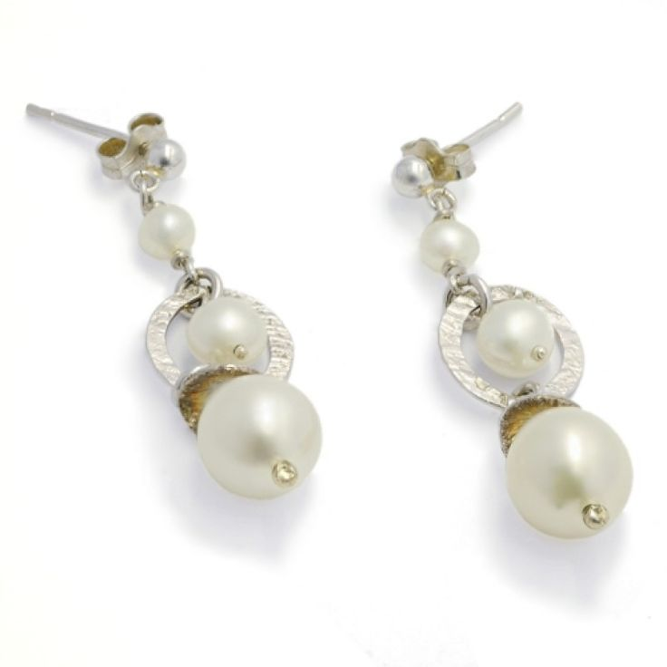Sweet Triple Pearl Earrings - Silver/Pearl #Catherinejones #cambridge #necklace #bracelet #pearls #jewellery #trends