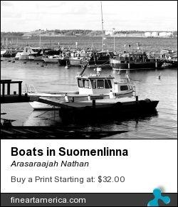 Boats in Suomenlinna