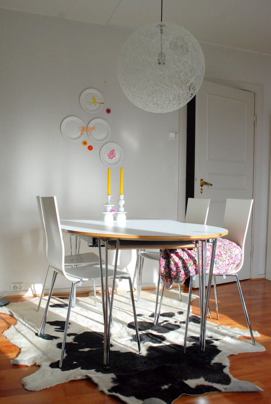from an apartment we borrowed. Like the light in that picture! The furnitures are not ours.
