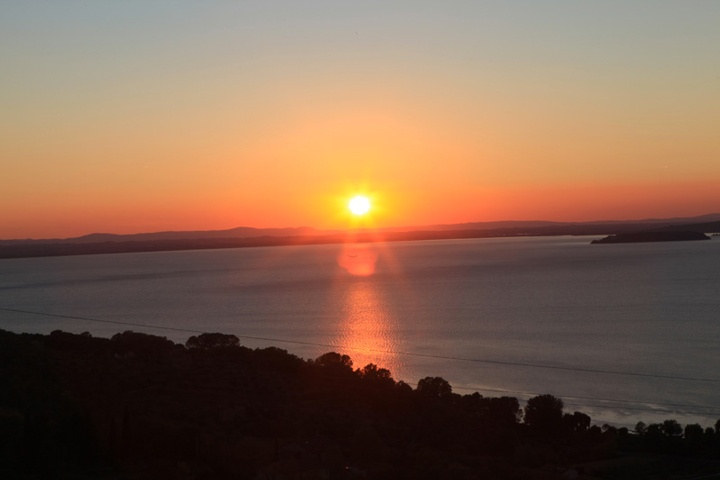 Sunset on Trasimeno Lake, #Umbria