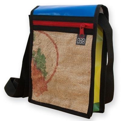 """Bolso Bandolera Araura realizado a mano y en materiales reciclados """"Sack"""" / Araura recycled and handmade bag bandolera """"Sack"""" (Pieza única / Unique piece) -- Precio/Price: 45,00 €"""