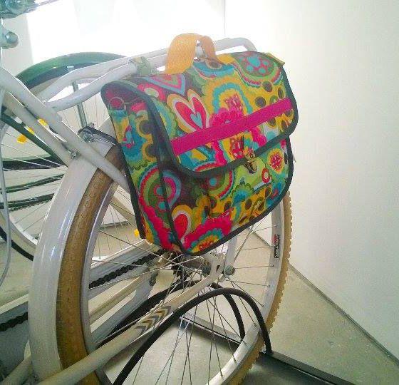 Bolso para bicicleta realizado en tela cordura. Muy originales!!! - Adquirilo en Tienda CBArte #Arte #Diseño