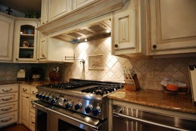 17 best images about tuscan style on pinterest for Tuscan style kitchen backsplash