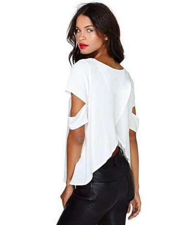 Bluzka z opadającymi rękawami. Klik w zdjęcie, a przejdziesz do sklepu :)