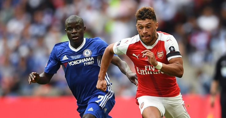 The Blues have agreed a fee for the midfielder who is expected to undergo a medical and join up before the transfer window closes on Thursday night  Chelsea are closing in on the signing of Arsenal's Alex Oxlade-Chamberlain as the clubs agree a fee of 35million for his transfer to Stamford Bridge.  The England international will now begin talks over a new five yearcontract with Chelsea before making the switch across London to join up with the Premier League champions.  Pending a medical at…