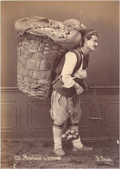 sebzeci. Street vendor of apples. Turkey.