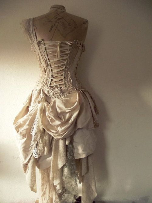 Kind of reminds me of Cinderella after her stepsisters rip her gown to shreds...: Vintage Gowns, Wedding Dressses, Vintage Wedding, Fashion, Costumes, Clothing, Beautiful, Corsets Dresses, Vintage Couture