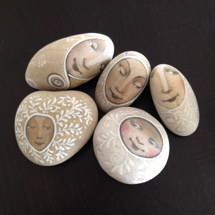 goldeneggstudio: stay together - Art by Olga Sugden their faces would be lovely on Russian dolls