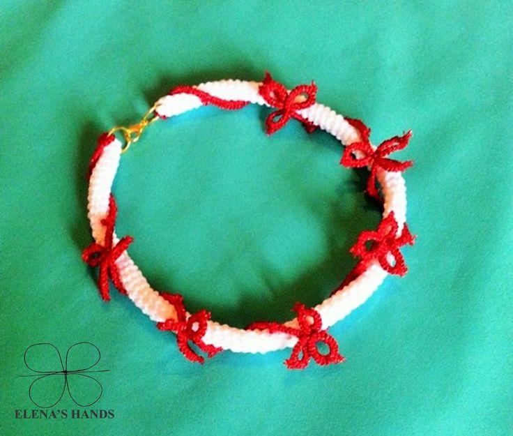 #Collana tubolare a #uncinetto, bianco e lamè rosso #handmadejewelry #elenashands