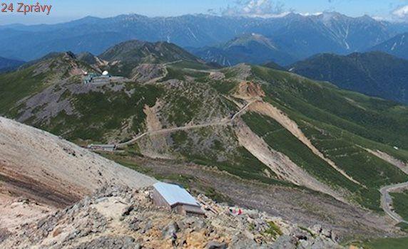 Tiché hory a léčivá koupel. Nádherný výšlap nejvyšší silnicí Japonska