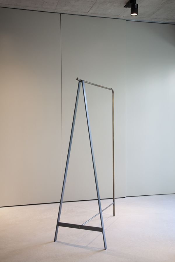 Eric Degenhardt_CLOTHES RAIL