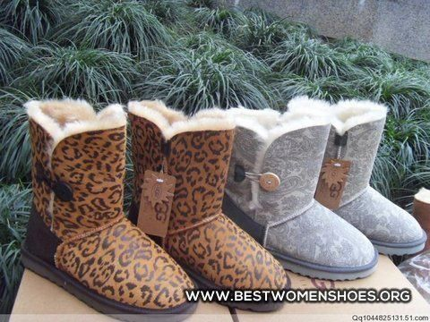 187 best Uggs images on Pinterest Boots women, Slippers and