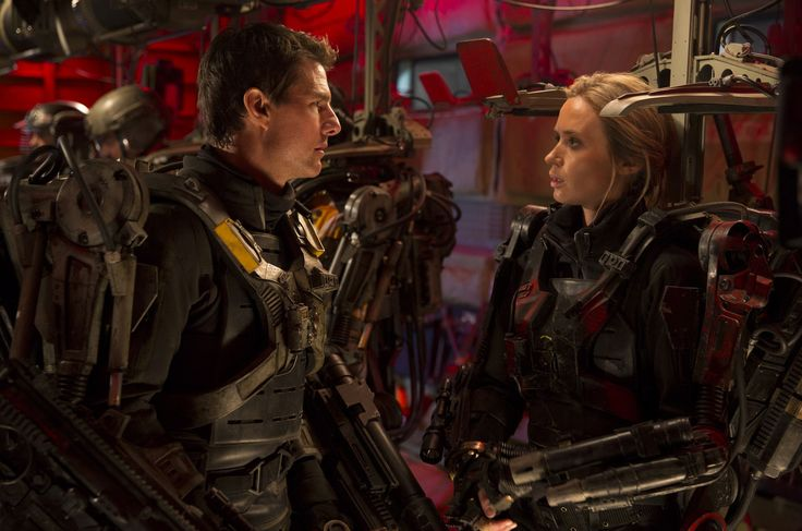 NEW Hi-Res Tom Cruise & Emily Blunt 'Edge Of Tomorrow' pic in the jump ship! #LiveDieRepeat Search EOT on TomCruise.com: http://www.tomcruise.com/blog/search/edge+of+tomorrow