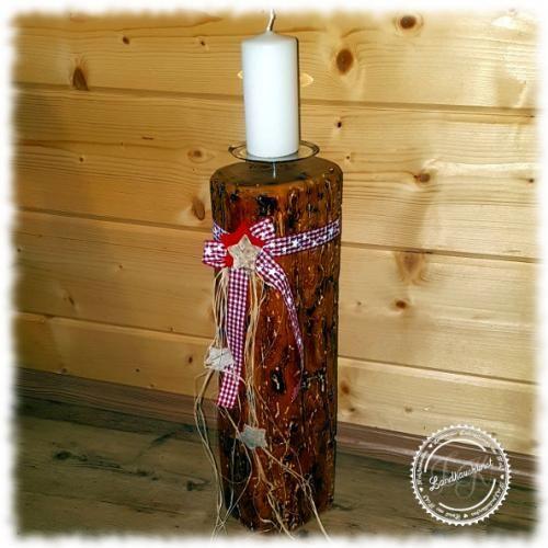 Kerzenständer Altholz, weihnachtlich dekoriert, Kerzenhalter, Altholzbalken, Kerzenständer Balken, Balkenkerze, Unikat, Geschenkidee, Landhauskunst, Kerzenständer rustikal
