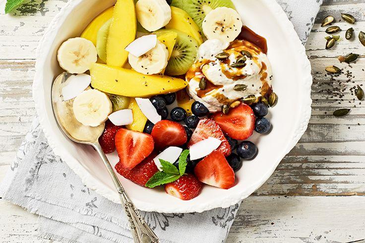 Fruchtbowl mit Zitronenjoghurt