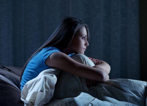 Pourquoi est-ce que je me réveille à 3 heures du matin et que je ne peux plus dormir ?