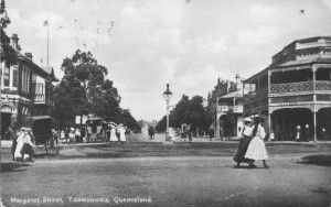 Margaret Street, Toowoomba, 1909 / Local History and Robinson Collections, Toowoomba City Library | thefashionarchives.org