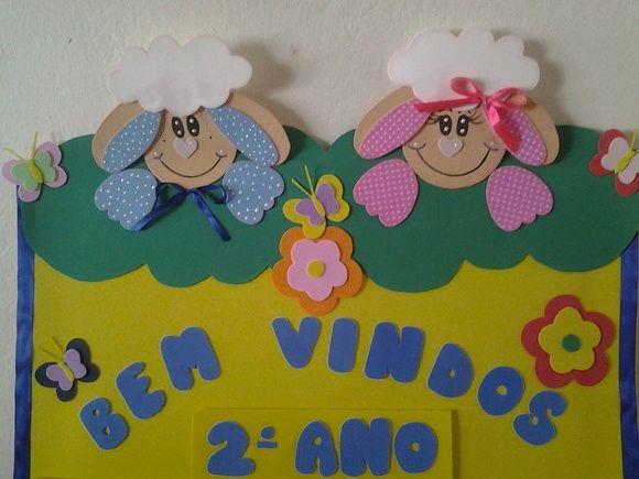 Placa bem vindo, feita toda em EVA para professores enfeitarem a sala de aula, nome do professor e série são removíveis com velcro. R$ 20,00