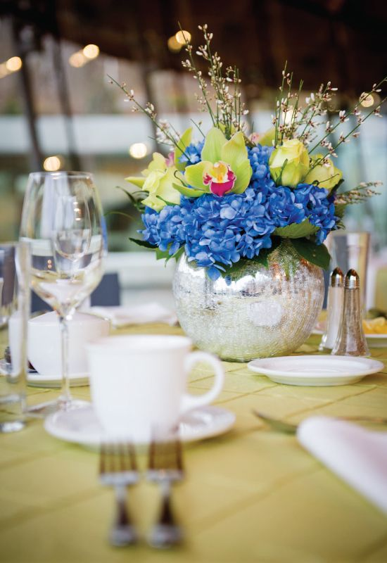 Hydrangea centerpiece weddings at crystal bridges museum