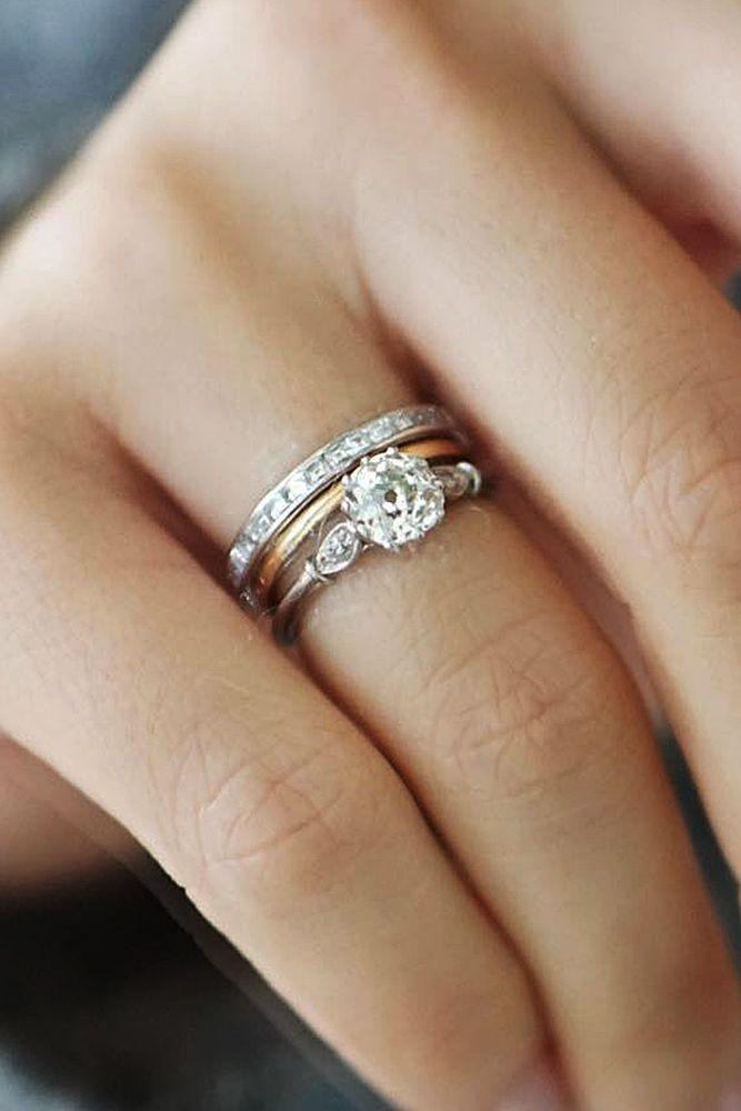 30 Vintage Wedding Rings For Brides Who Love Classic Wedding Rings Vintage Mixed Metal Wedding Rings Pretty Wedding Rings