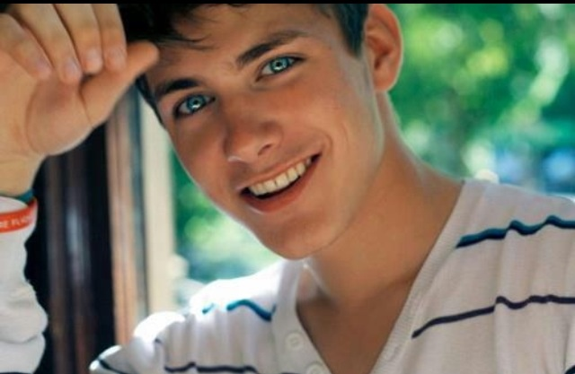 Cute Guys Tumblr With Brown Hair And Blue Eyes