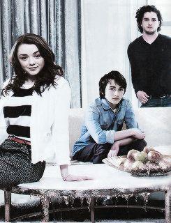 The Stark Kids - Empire Magazine (May 2013) Kit, Isaac & MAISIE!!!