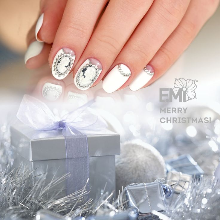 xmas art designs for nails of EMi #Emimanicure • xmas nails easy • xmas nails designs • xmas nails art • xmas nails winter • xmas nails red • xmas nails shellac • xmas nails blue • xmas nails glitter • xmas nails simple • xmas nails sparkly • xmas nails diy • xmas nails black • xmas nails pink