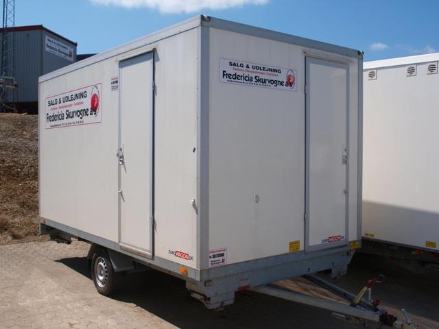Type 36.  Spise-/kontorvogn med toilet til 6 personer.