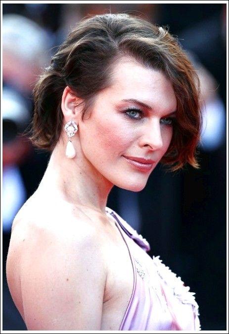 Milla Jovovich Kurze Frisur: Sexy zerzaust Bob Haircut