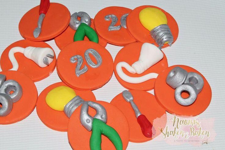 12x Edible Tools Tool Box Workman Electrician Men Boys Fondant Cupcake Toppers #Birthday