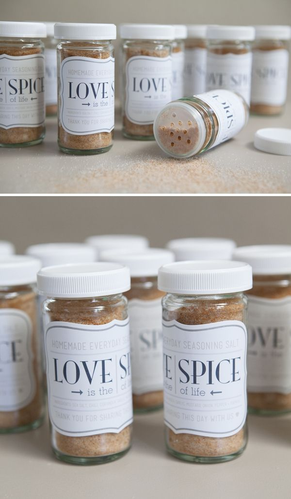 HDFB gets married? DIY wedding ~ homemade seasoning salt or 'love spice' wedding favor jars! So cute and so easy! FREE printables!