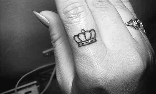 Crown finger tattoo, finger tattoo, crown tattoo, small tattoo
