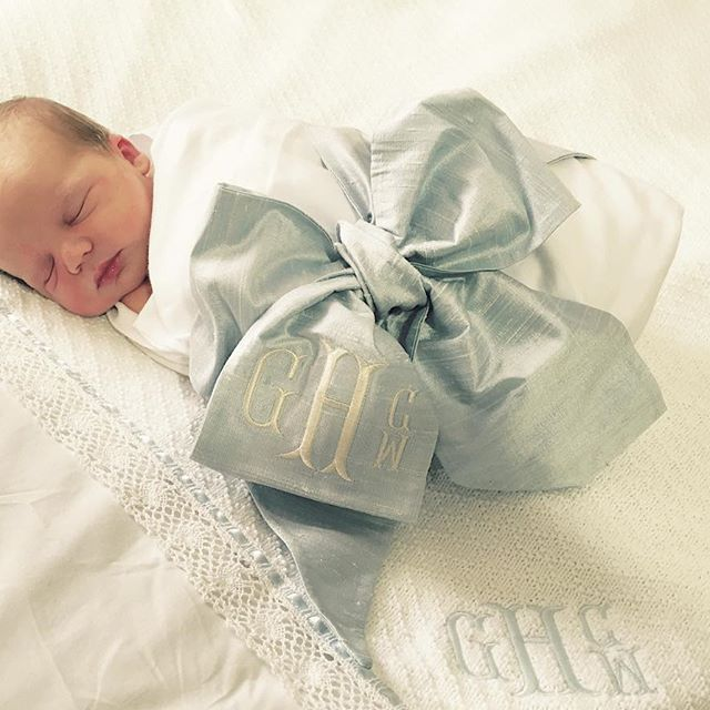 Put a bow on it | The Beaufort Bonnet Company | #bowswaddle