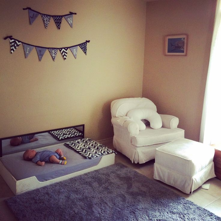 Best 25 montessori toddler bedroom ideas on pinterest - Bedroom with mattress on the floor ...