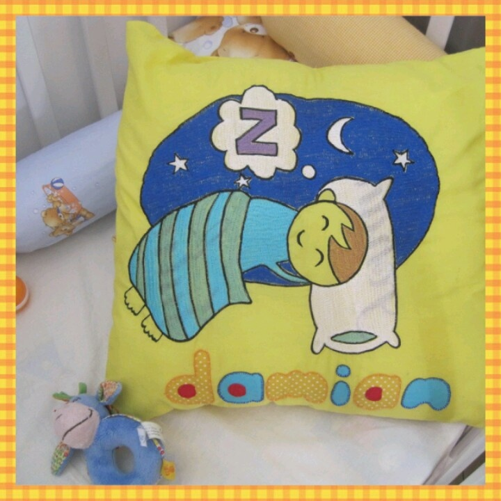 embroidery pillow 'sleep tight baby'