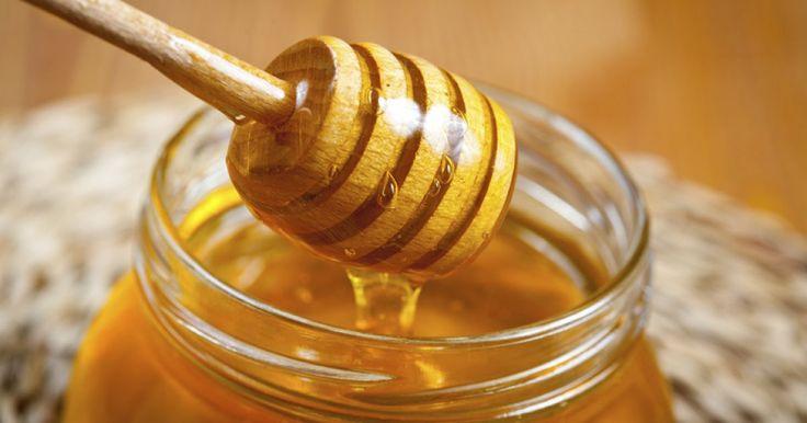 Honig ist nicht nur ein Brotaufstrich, sondern auch ein wirksames Schönheitsmittel.