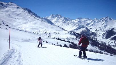 Les 4 Vallées sont un domaine skiable qui recouvre les stations de Verbier, Nendaz, Veysonnaz, Thyon et La Tzoumaz. http://www.tourismesuisse.com/valais
