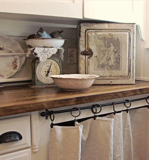Curtain, hardware, plate rack... pretty