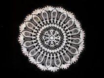 White crochet doily - Diameter: 36 cm